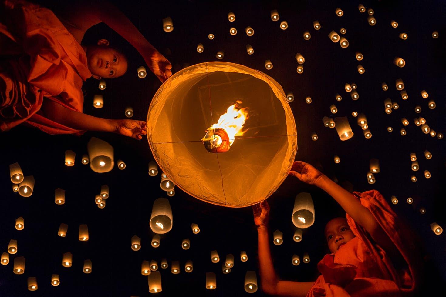 lễ hội thả đèn lồng
