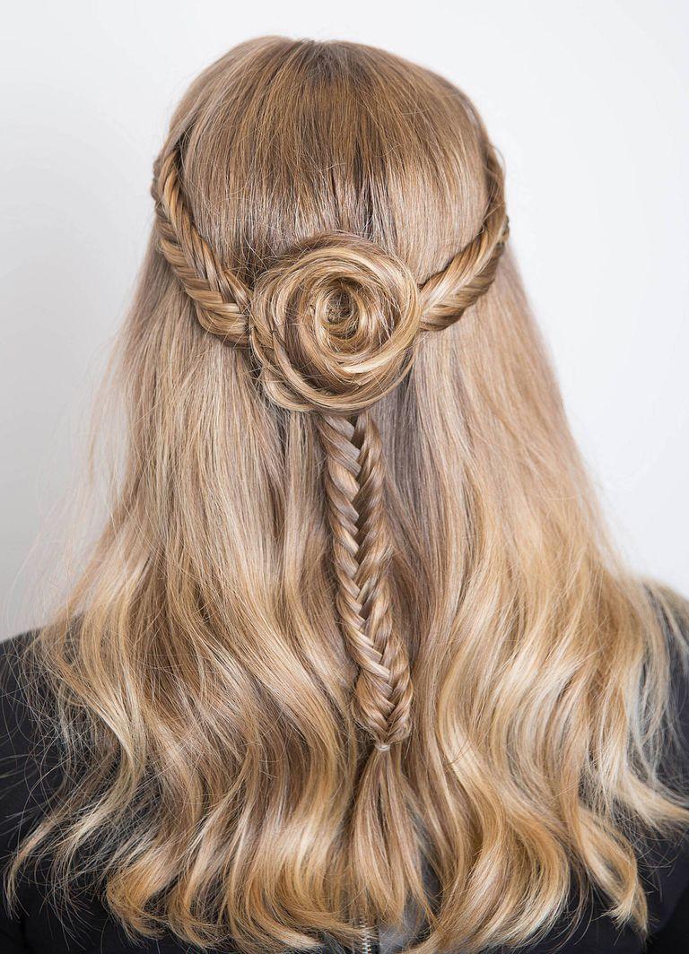 các kiểu tóc uốn đuôi