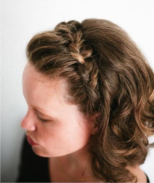các kiểu tết tóc ngăn ngang vai